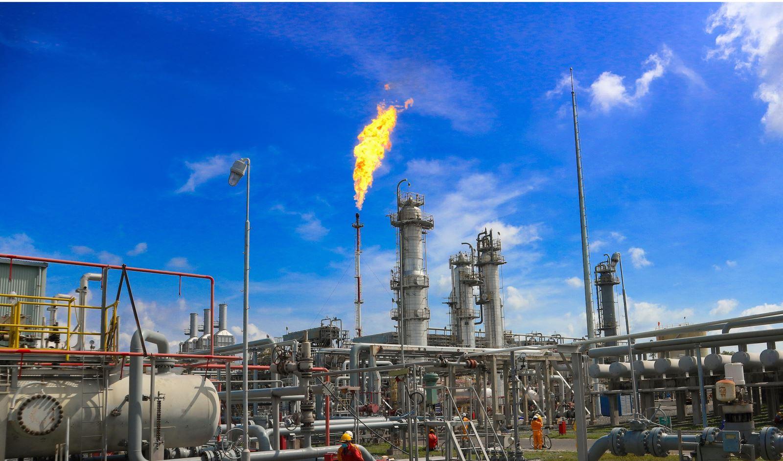 Nghiên cứu phát triển công nghệ sản xuất nhiên liệu sạch từ khí tự nhiên