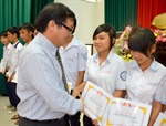 Over VND 1 billion sponsored to the scholarship fund of Vietnam Study Encouragement Association of BR-VT Province