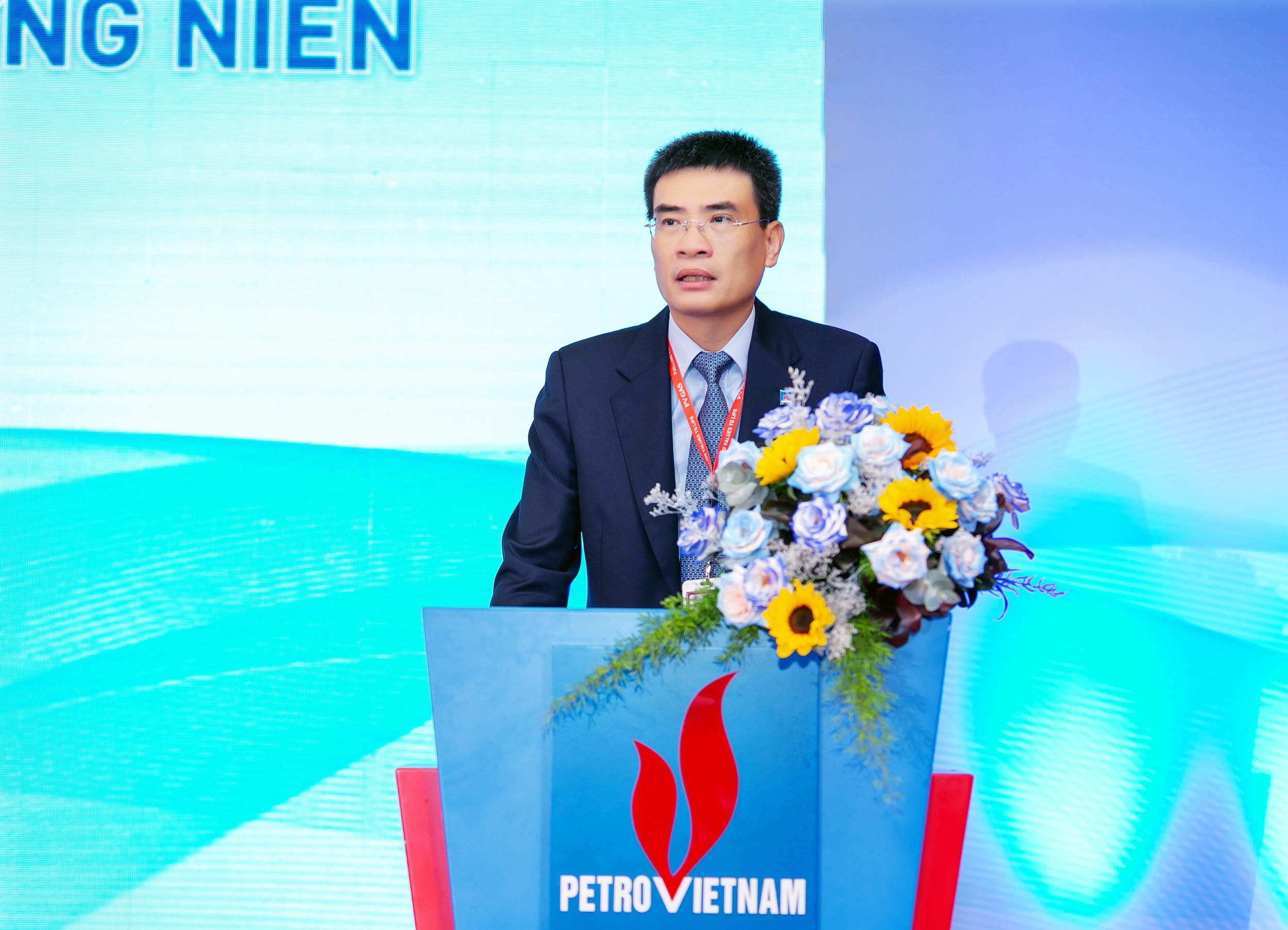 TGĐ PV GAS Dương Mạnh Sơn báo cáo Đại hội về kết quả hoạt động năm 2020, kế hoạch sản xuất kinh doanh và phân phối lợi nhuận năm 2021