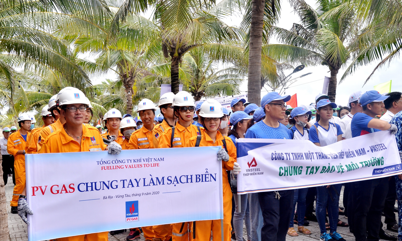 Đội ngũ PV GAS tham gia ngày hội bảo vệ môi trường biển