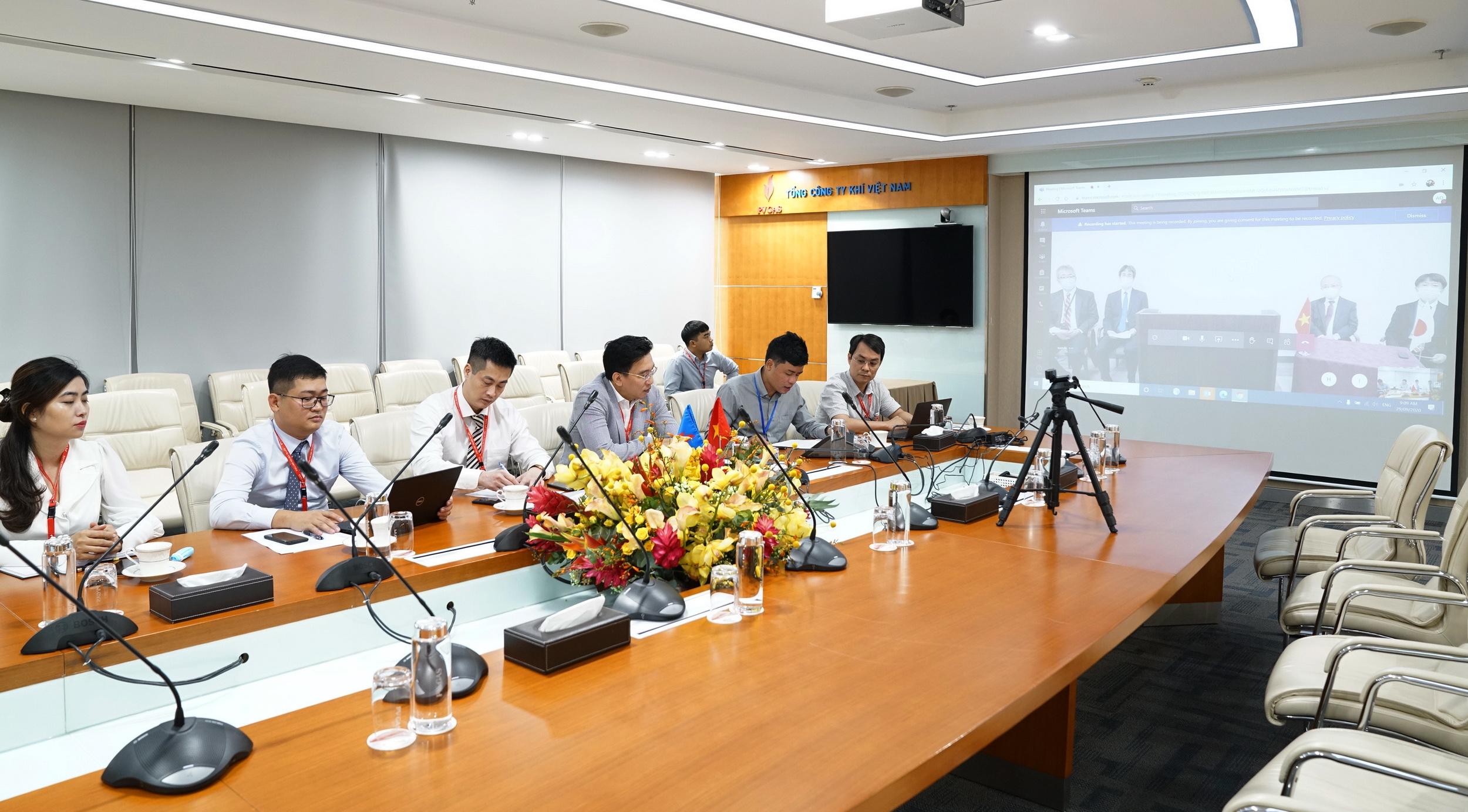 Quang cảnh buổi lễ ký kết trực tuyến trong điều kiện phòng chống dịch COVID-19 toàn cầu