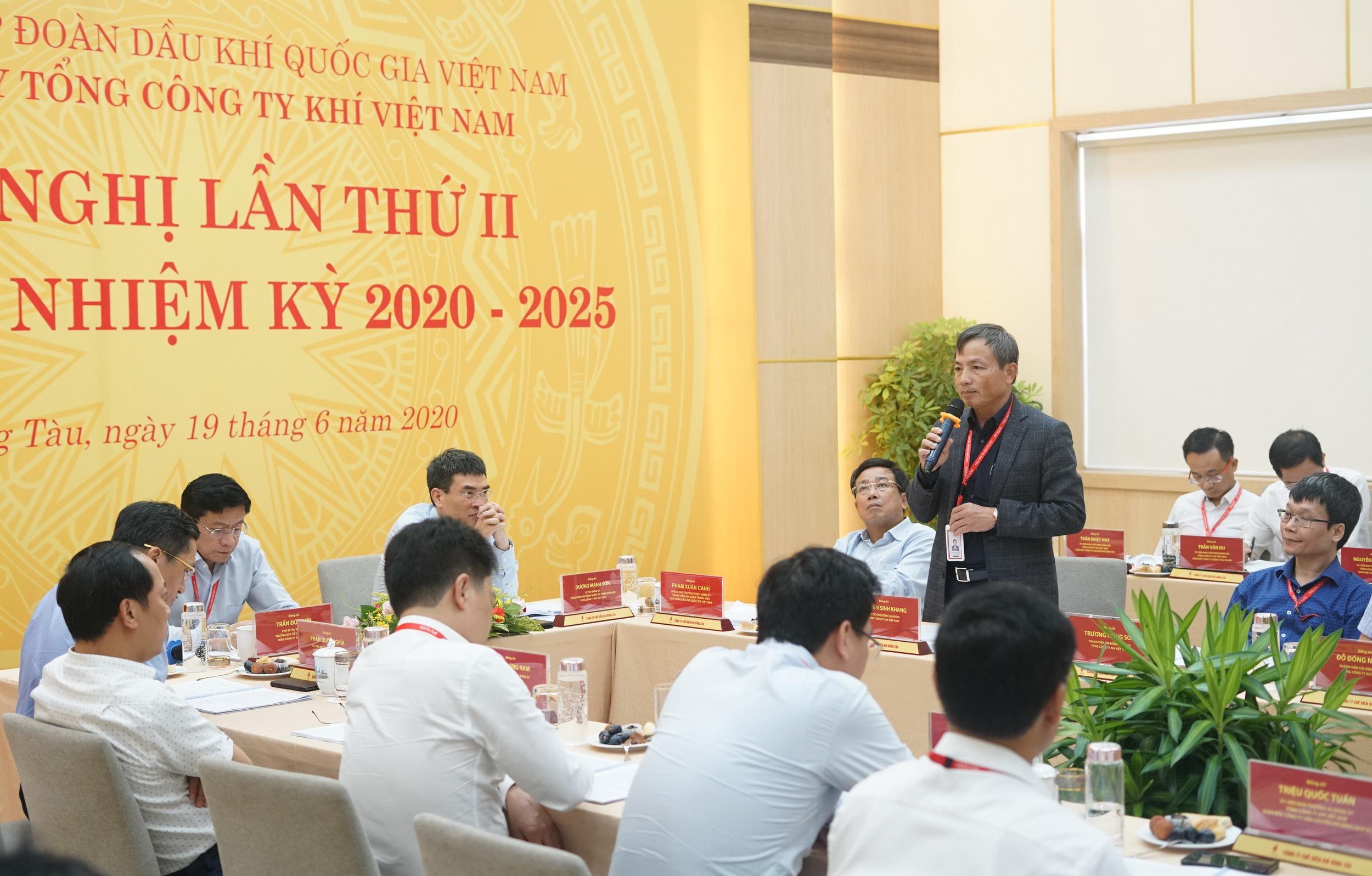 Chủ tịch HĐQT PV GAS Nguyễn Sinh Khang phát biểu