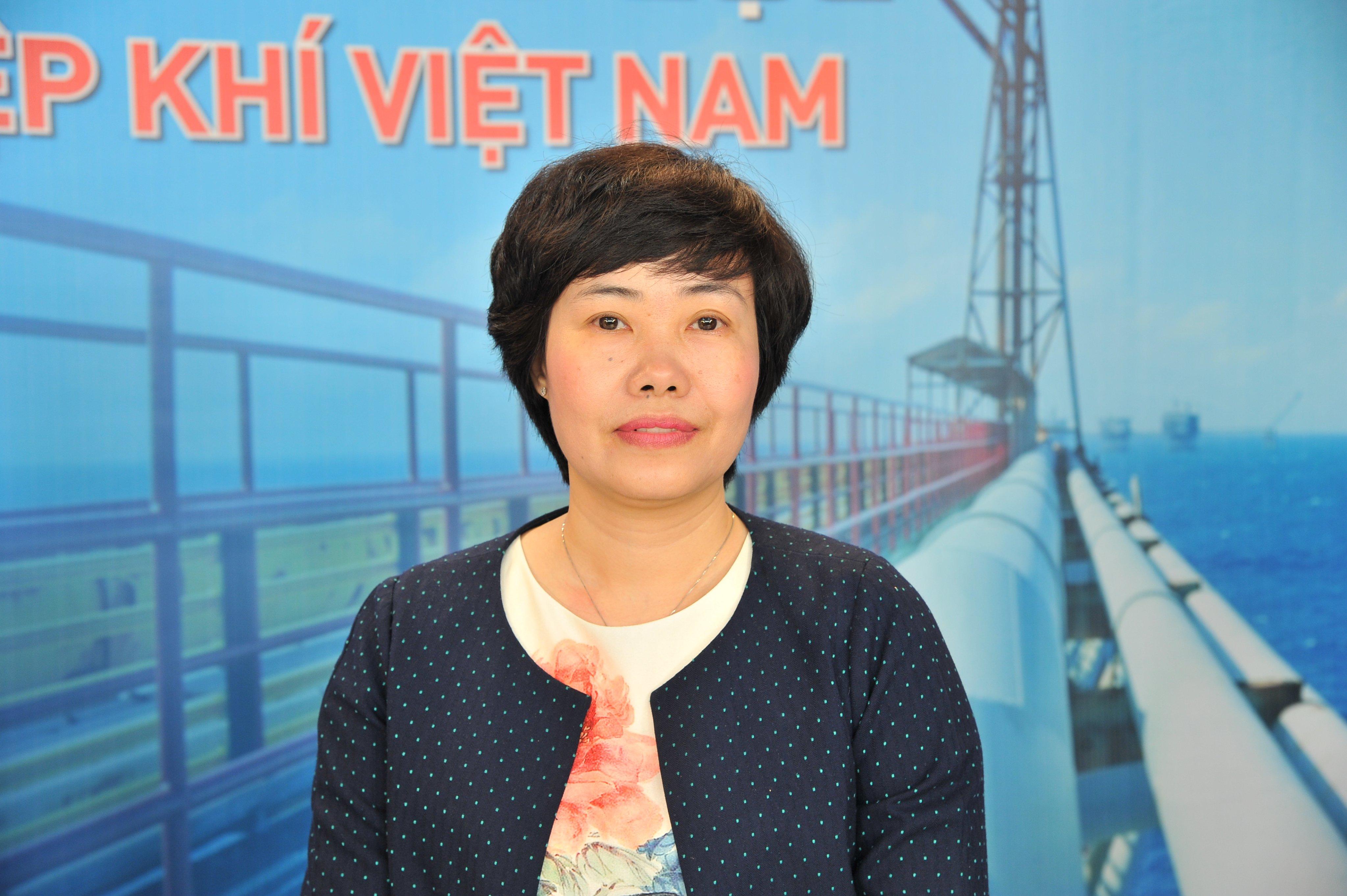 Khách mời của buổi tọa đàm: bà Ngô Thúy Quỳnh - Phó Vụ trưởng Vụ Dầu khí và Than, Bộ Công Thương