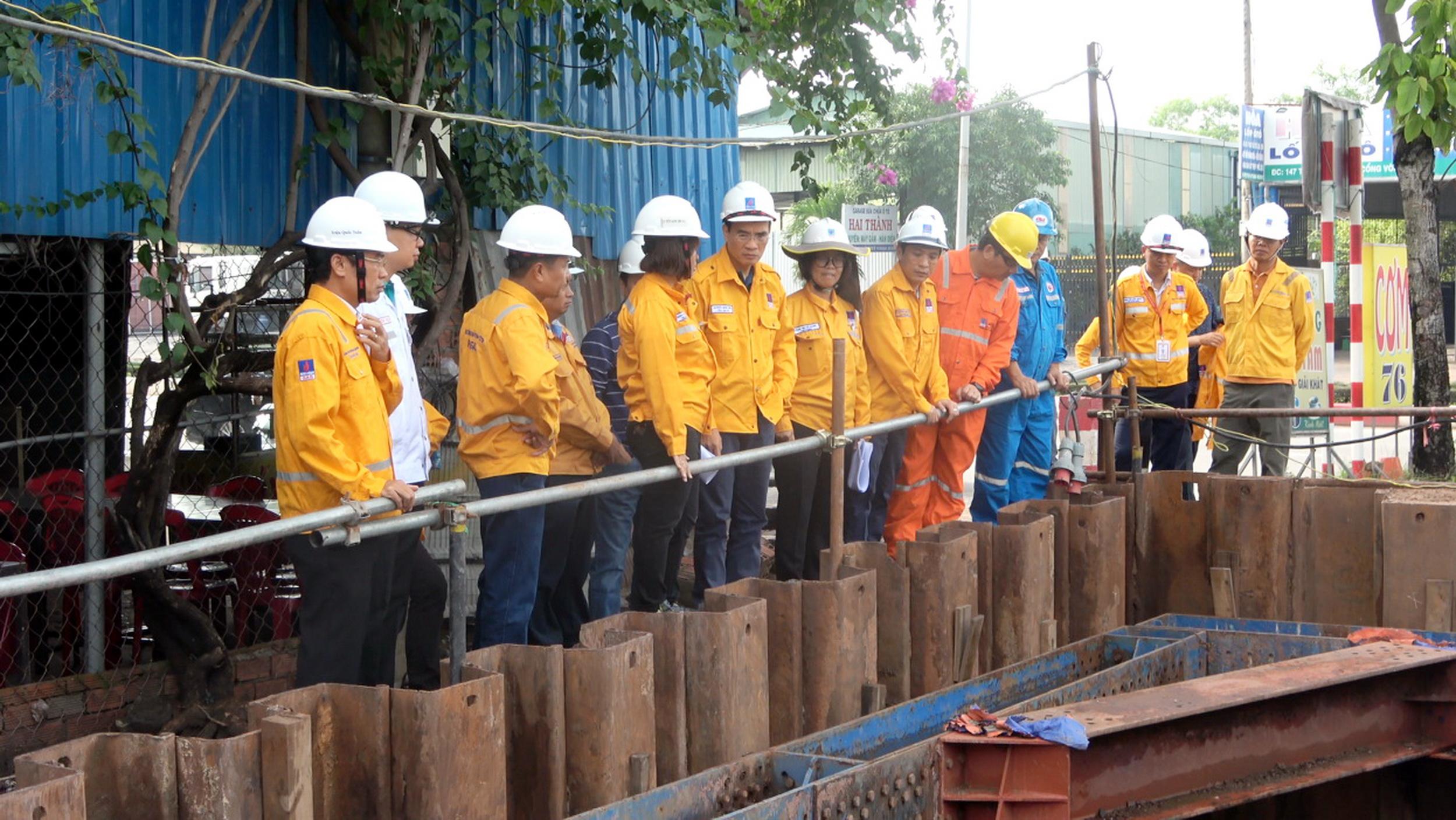 Đoàn công tác kiểm tra thực tế công trường thi công giai đoạn 2 - Dự án Nam Côn Sơn 2
