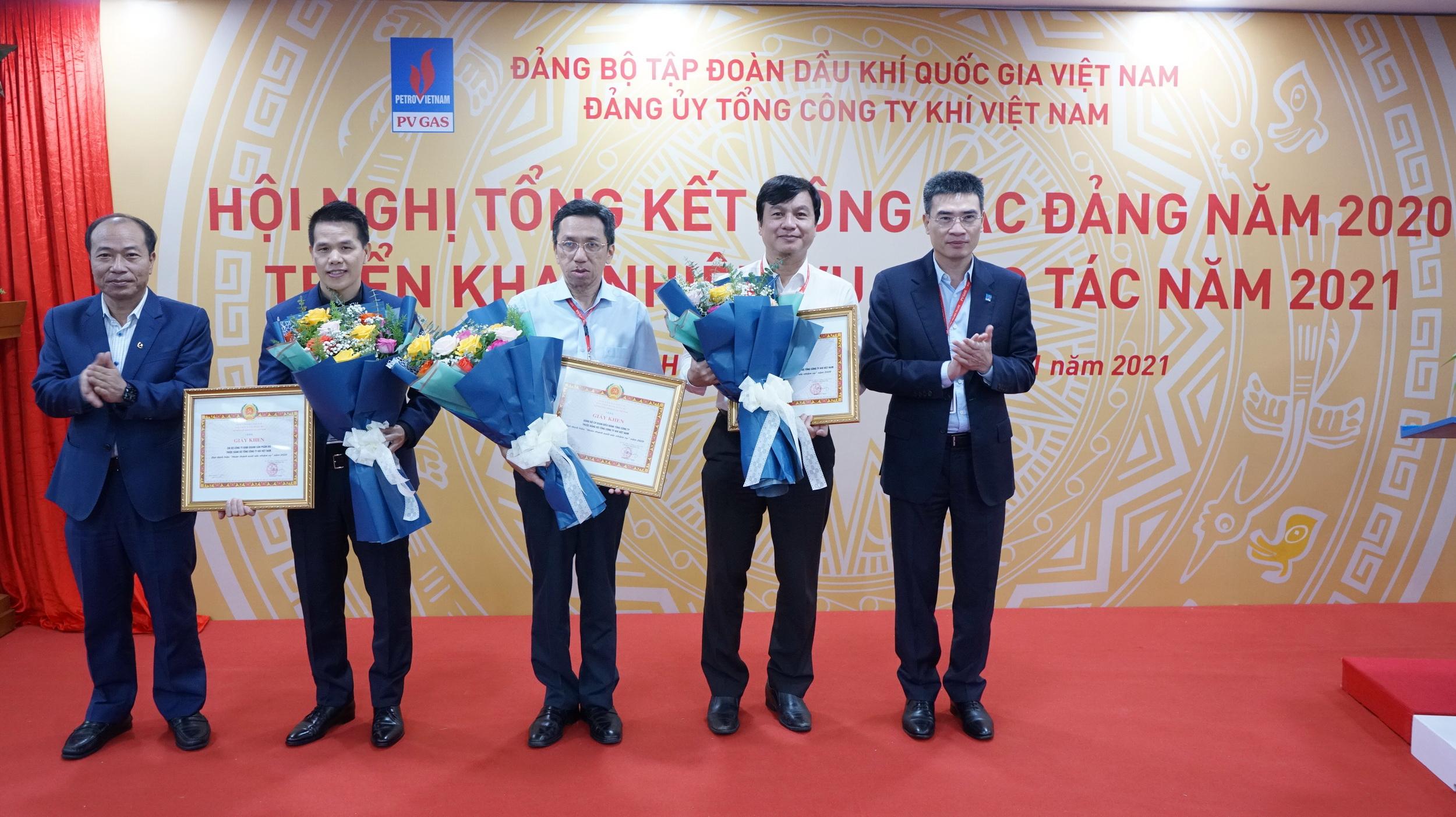 Đảng ủy Tập đoàn khen thưởng các chi bộ/đảng bộ trực thuộc xuất sắc của PV GAS