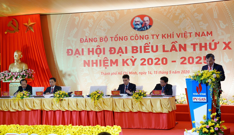 Đồng chí Nguyễn Sinh Khang –Bí thư Đảng ủy đã đọc Diễn văn khai mạc Đại hội