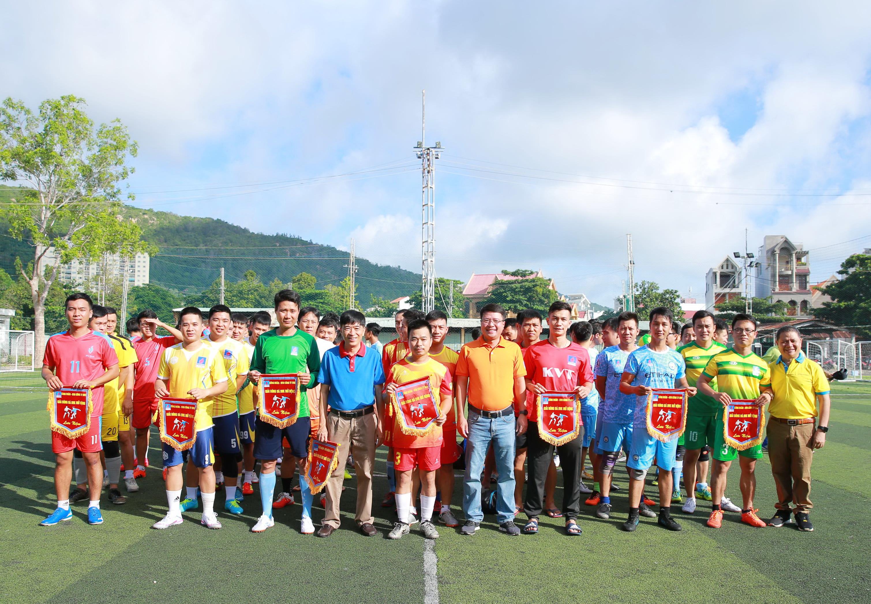 Các đội tuyển tham gia Giải bóng đá DVK mở rộng 2020