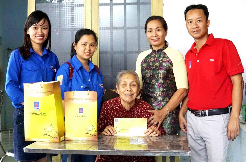 PVGAS D thường xuyên tổ chức các hoạt động từ thiện, uống nước nhớ nguồn