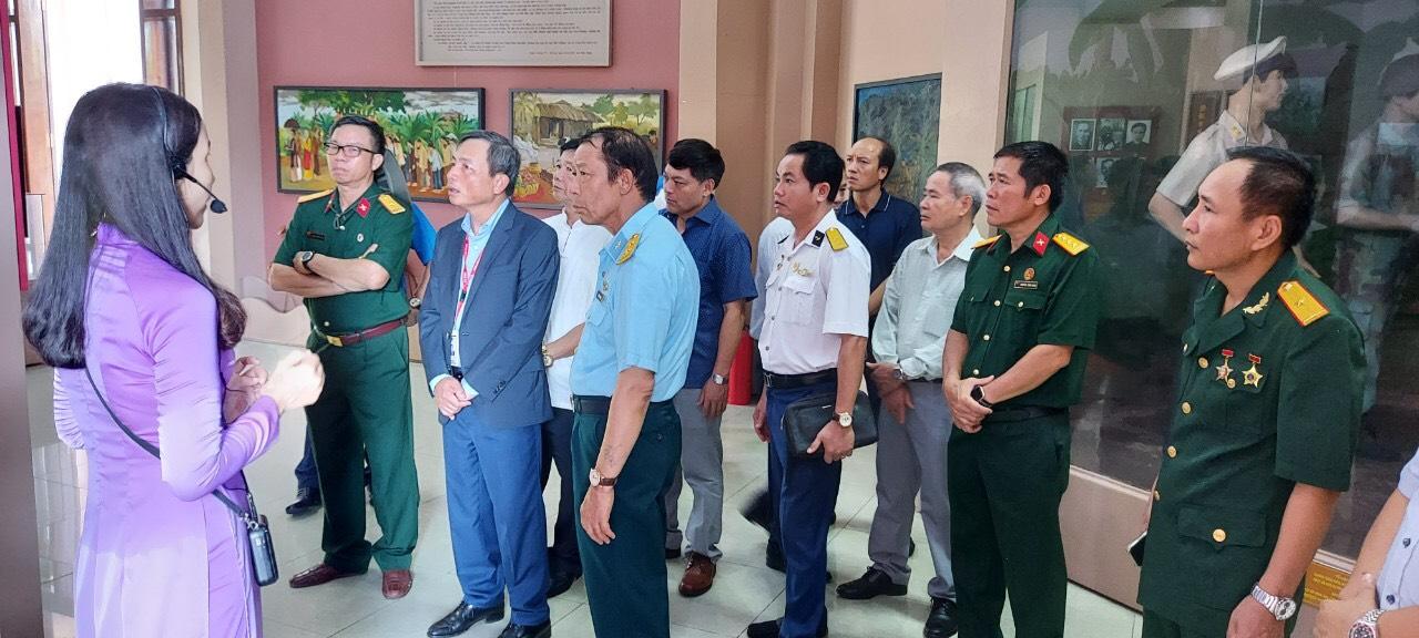 Hội CCB PV GAS tới thăm Khu lưu niệm Cụ Phó bảng Nguyễn Sinh Sắc