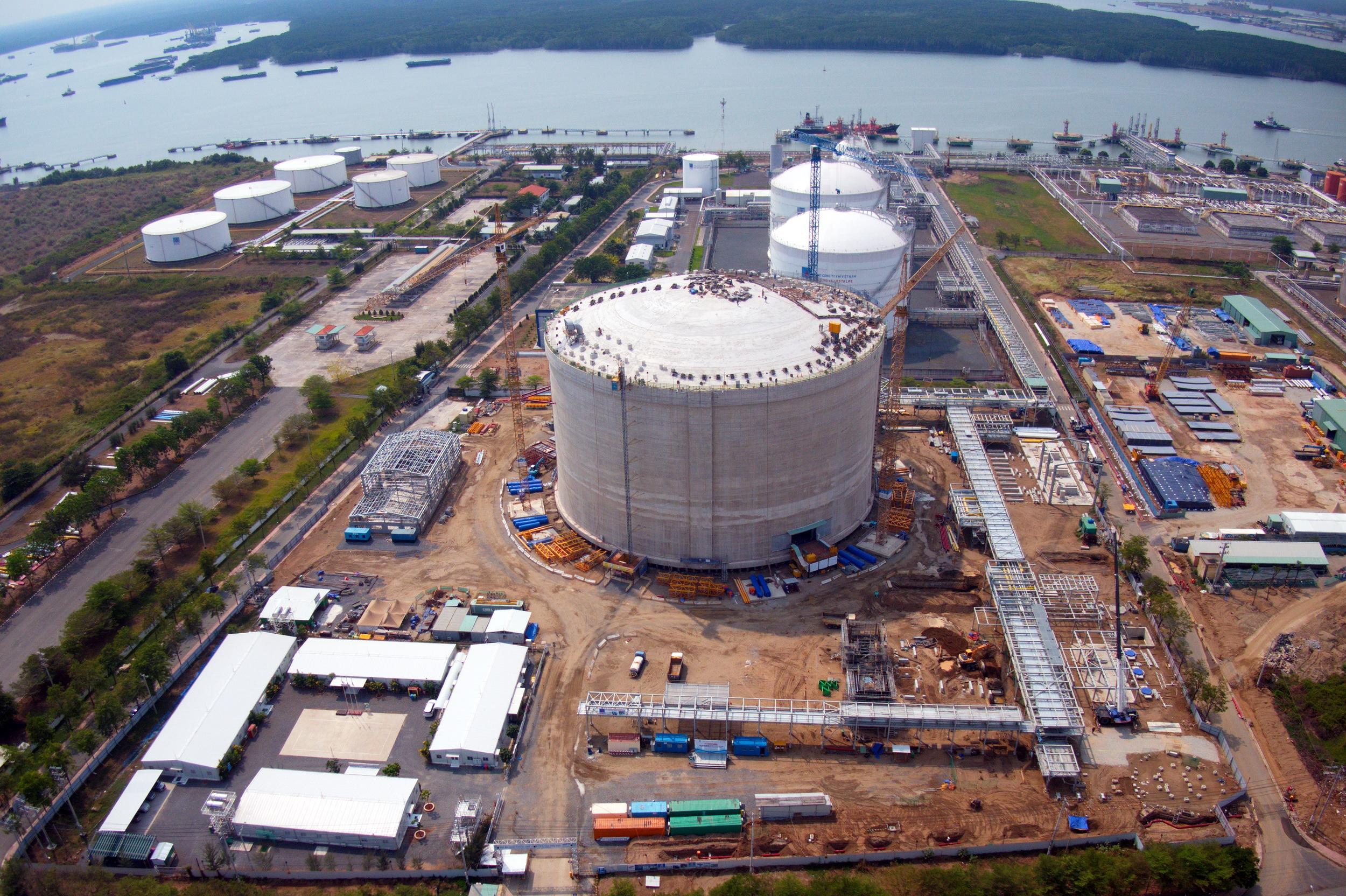 Nhịp độ trên công trường Dự án Kho chứa LNG tại Thị Vải vẫn tiếp tục khẩn trương