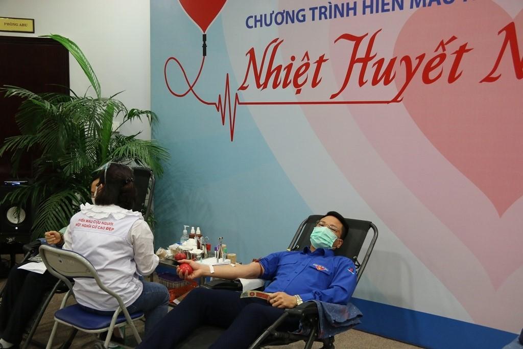 Đây là lần thứ 8, Phó Bí thư Đoàn Thanh niên Tập đoàn Đỗ Anh Tuấn tham gia hiến máu