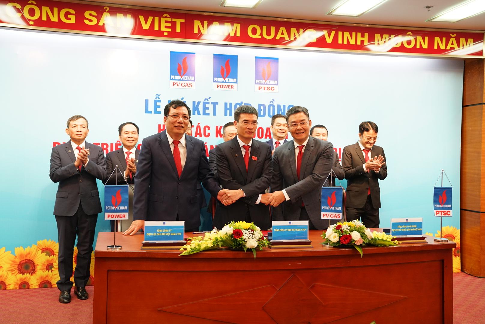 Nghi thức ký kết Hợp đồng hợp tác kinh doanh giữa 3 Tổng Công ty